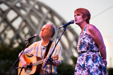 Shawn Colvin & Loudon Wainwright III, Denver Botanic Gardens Summer Concert Series (photo copyright Scott Dressel-Martin)